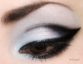 winged_black_eyeshadow_by_hedwyg23-d3a5ahf