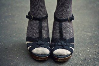 socks-and-sandals-via-timzou